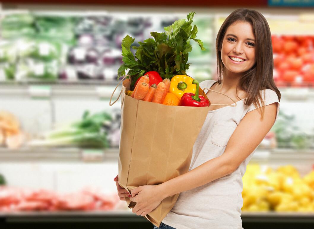 MATTRENDER: Er det innafor å ha med seg egen mat når man blir bedt bort, eller vil man bli oppfattet som ekstremt sær i matveien? Foto: NTB scanpix