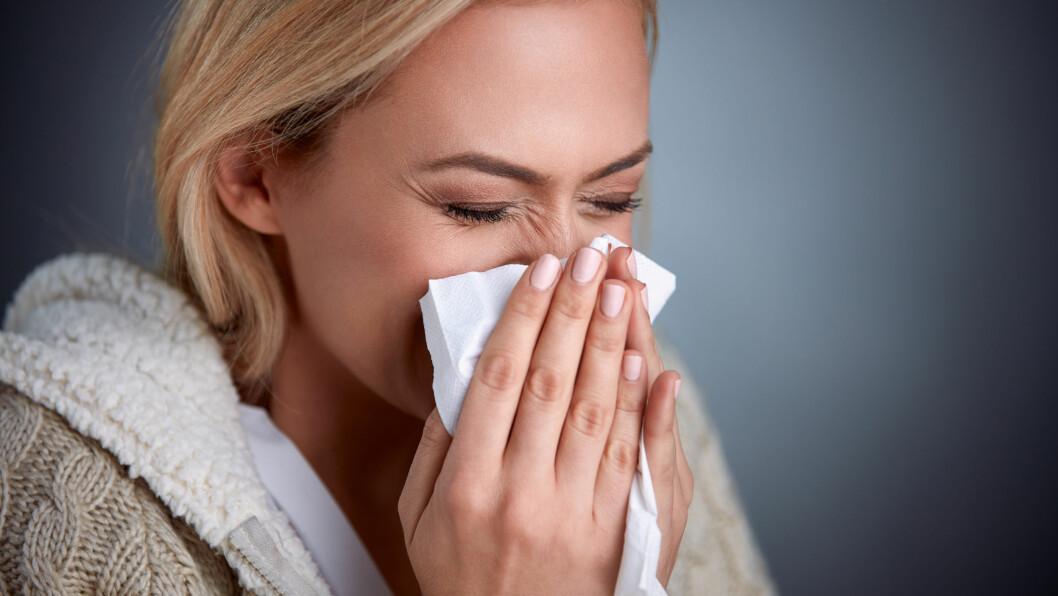 POLLEN: Nei, det er ikke bare om våren og om sommeren pollen slår til. Aldri før har pollensesongen startet så tidlig som i år. Foto: Shutterstock / Lucky Business
