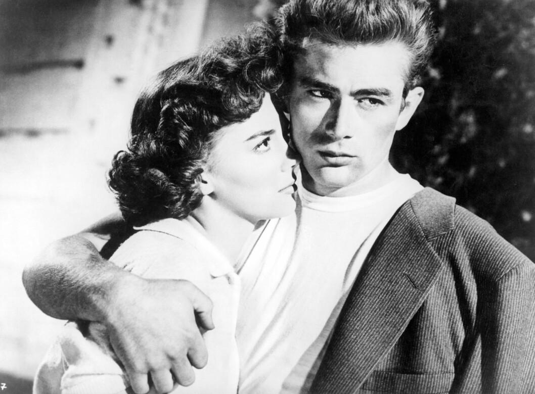 TENÅRINGSIDOL: 17 år gammel spilte Natalie Wood mot James Dean i «Rotløs ungdom». James Dean døde i en bilulykke bare 24 år gammel, bare et par måneder  før filmen hadde premiere. Foto: NTB scanpix
