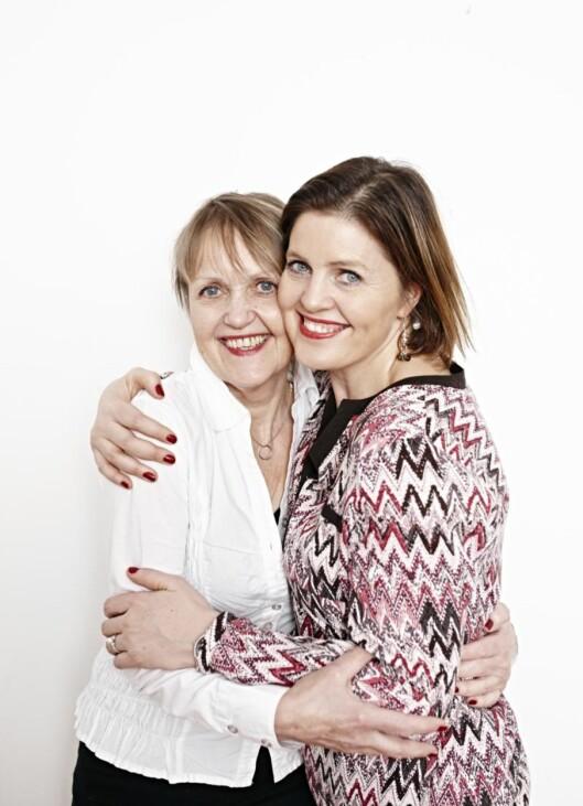 MOR OG DATTER: Mamma Herdis og Dora driver Relasjonssenteret sammen, og er begge utdannet relasjonsterapeuter. Foto: Geir Dokken