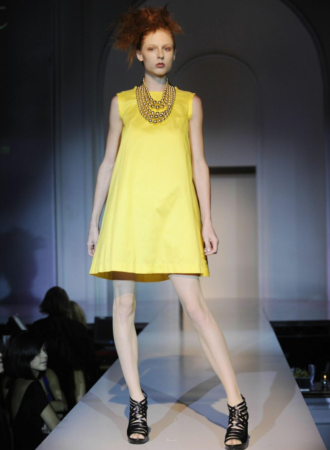 Li Cari By Jazmin Whitley viste også en knallgul kjole i A-snitt. Foto: All Over PressAll Over Press