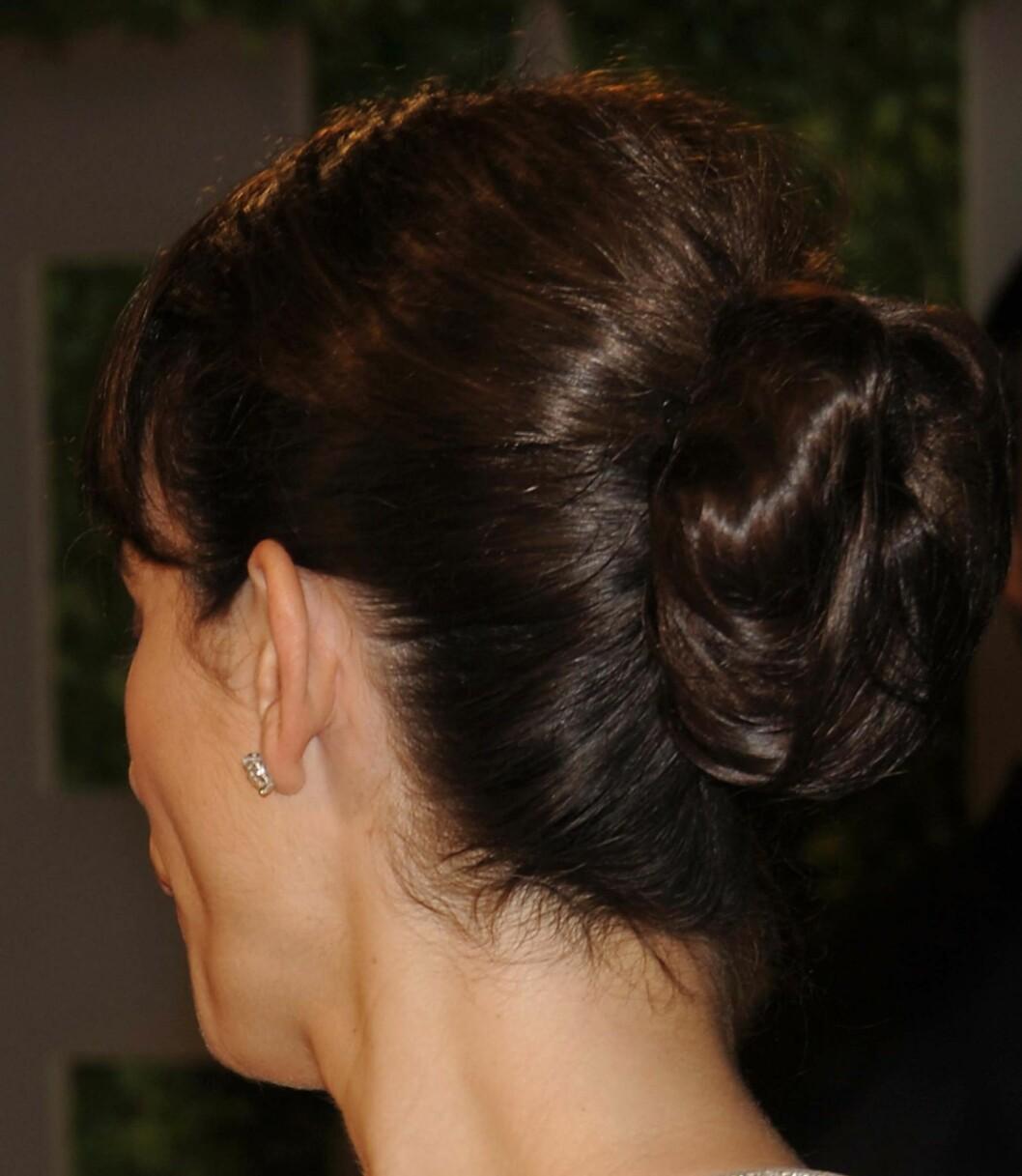 Penelope Cruz med en enkel knute bak. Foto: All Over Press