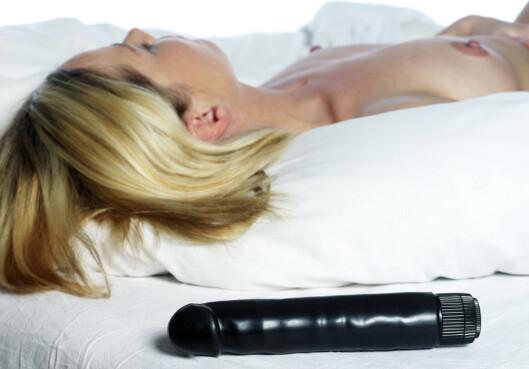 Hvis dildoen din gjør der mer mo i knærne enn partneren din er det fare på ferde. Foto: colourbox.com