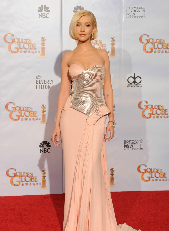 På Golden Globe-utdelingen i år stilte Christina i en sexy men pyntet aftenkjole, og uvanlig naturlig sminke til henne å være. En mer voksen stil som kler henne godt. Foto: All Over Press