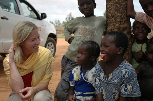 Marte Gerhardsen i CARE på besøk i Niger.