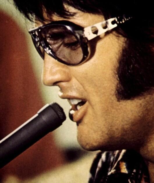 De store, pilotformede solbrillene var et av Elvis' varemerker.