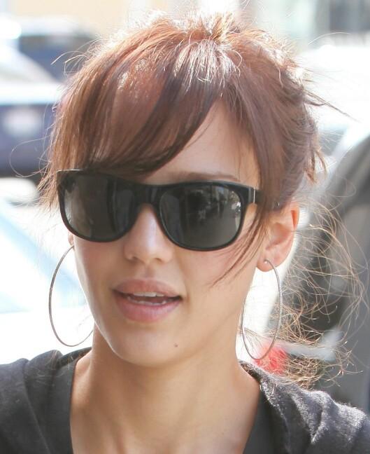 Jessica Alba har et typisk ovalt ansikt, og kan kle de fleste frisyrer.  Foto: All Over Press