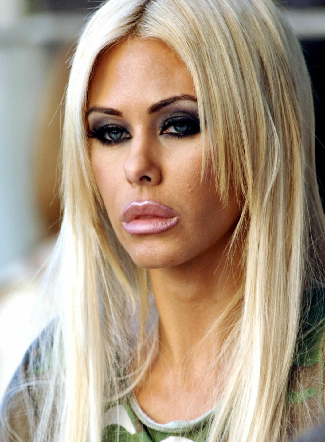 Skuespiller og Playboy-modell Shauna Sand ser ut til å ha mistet litt perspektivene når det kommer til egen munn.  Foto: All Over Press