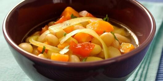 Unn deg en skål med suppe før middagen. Foto: colourbox.com