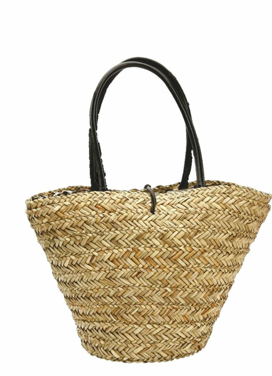 Strandbagen er selvsagt et must (kr 200, Lindex).