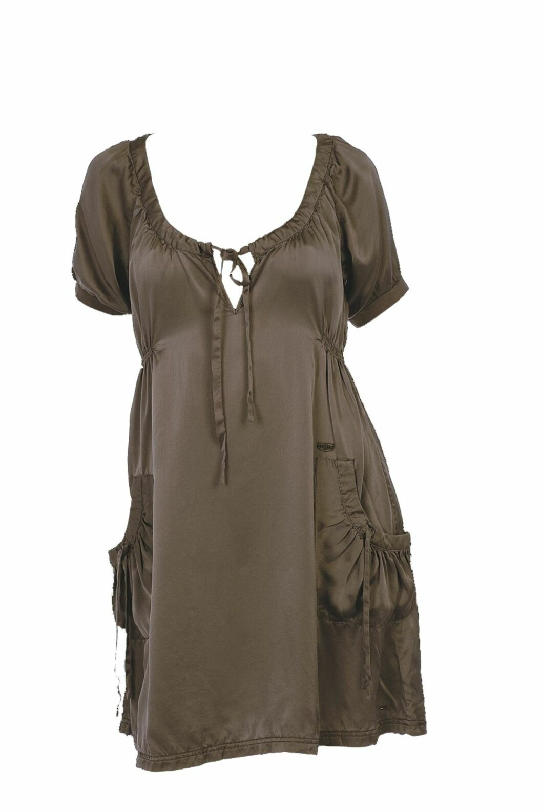 Anvendelig kjole i brun silke (kr 1500, Tommy Hillfiger).