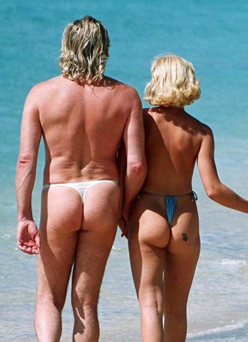 TANGAKRISE: Styr gjerne unna bikinitangaen til Peter Stringfellow og hans kone Helen Benoist, hvis du kan unngå det.  Foto: All Over Press