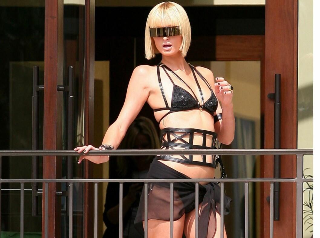 Planer om litt S&M-action på stranda? Da kan du gjøre som hotellarving Paris Hilton... Foto: All Over Press