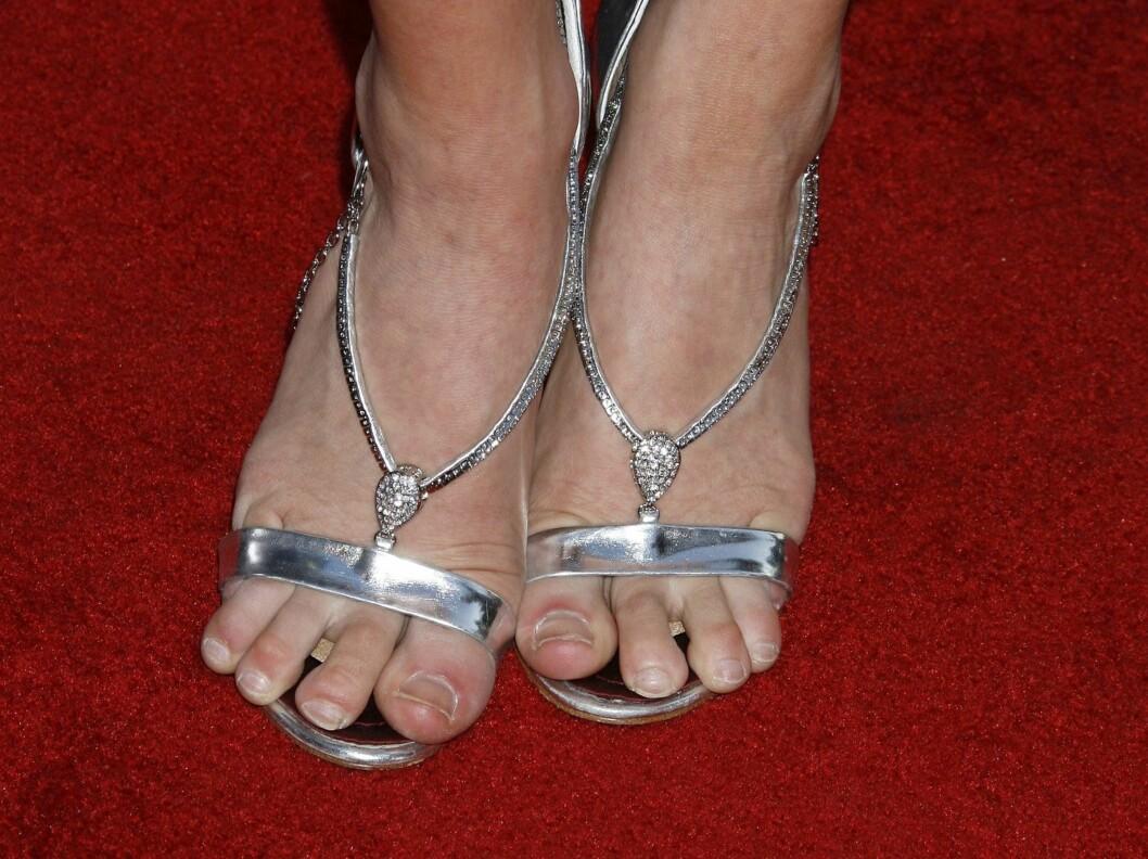VELG SKO I RIKTIG STØRRELSE: Gjør ikke som skuespiller Brittany Snow - ta deg heller god tid foran speilet i skobutikken.  Foto: All Over Press