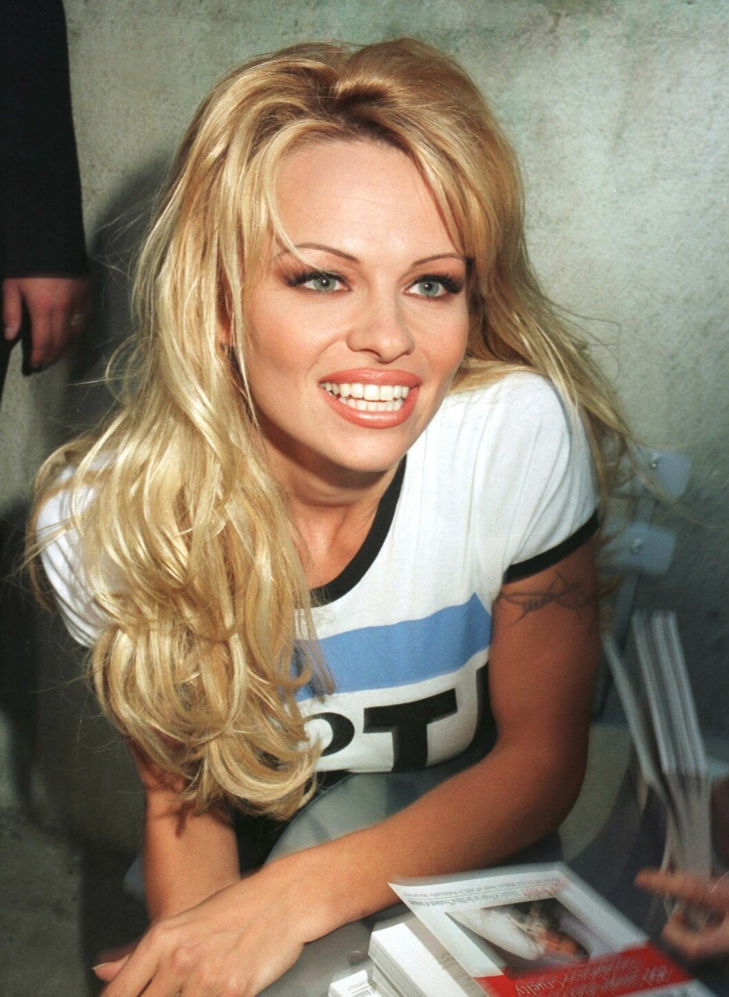 Pamela Anderson var superbaben i Baywatch. Og de blonde surfelokkene hennes var et yndet objekt for kopiering.  Foto: All Over Press