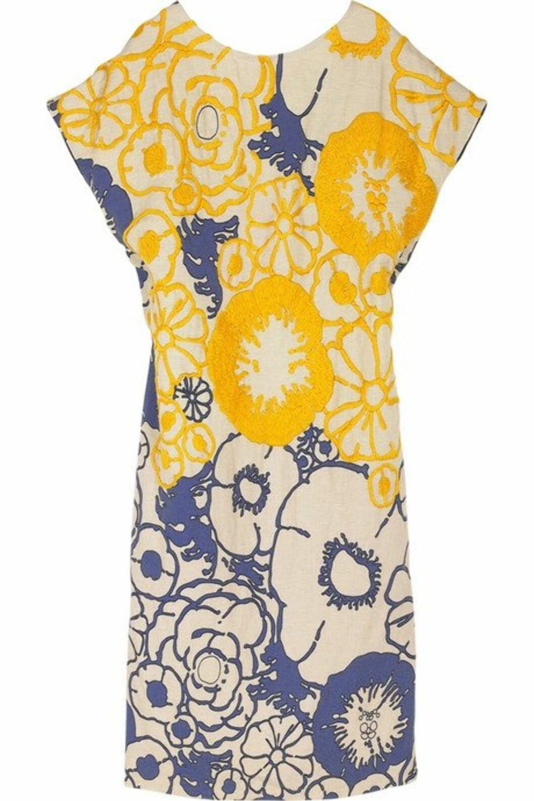 <strong>50 PROSENT AVSLAG:</strong> Sommerlig kjole som frisker opp (kr 2500, Phillip Lim).