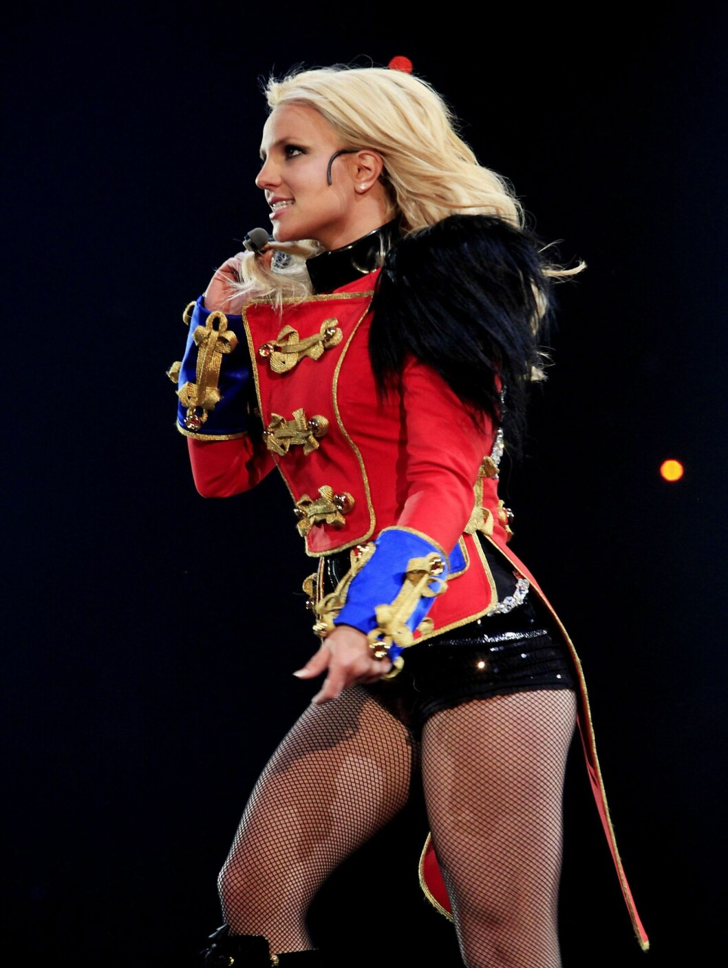 I HOTPANTS: Har Britney Spears latt seg inspirere av Michael Jackson? Foto: All Over Press