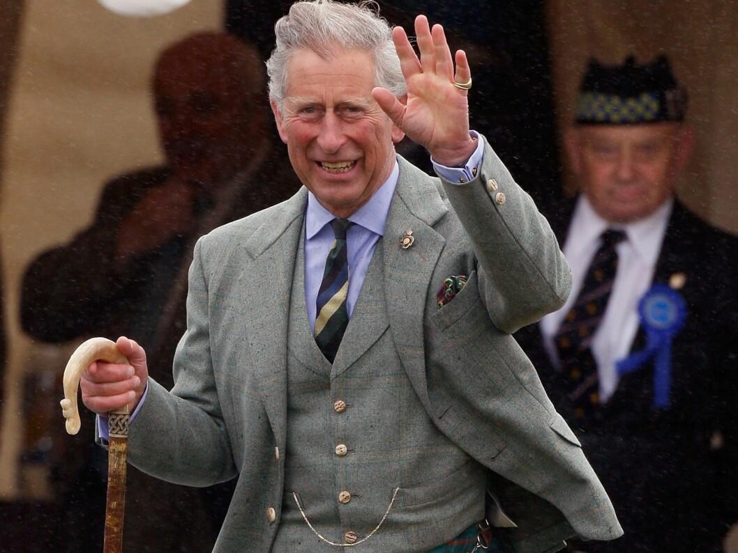 ÅRETS MOTEIKON: Prins Charles danker ut yngre menn og hipstere som Brad Pitt og David Beckham i magasinet Esquires kåring av verdens mest moteriktige person. Foto: All Over Press