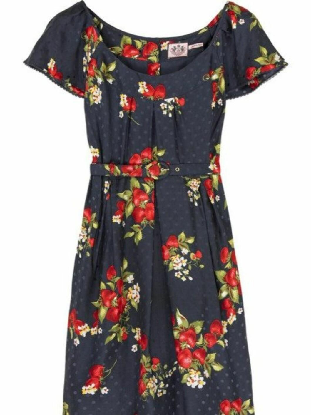 <strong>I 50-TALLSSTIL:</strong> Kjole som er nydelig til deg med litt former (kr 2800, Juicy Couture/Netaporter.com).