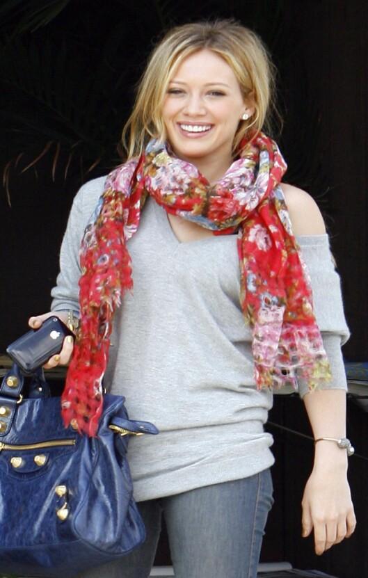 KOSEGENSER: I dette antrekket vil Hilary Duff gjerne ha en klem, ifølge Men´s Health. Foto: All Over Press