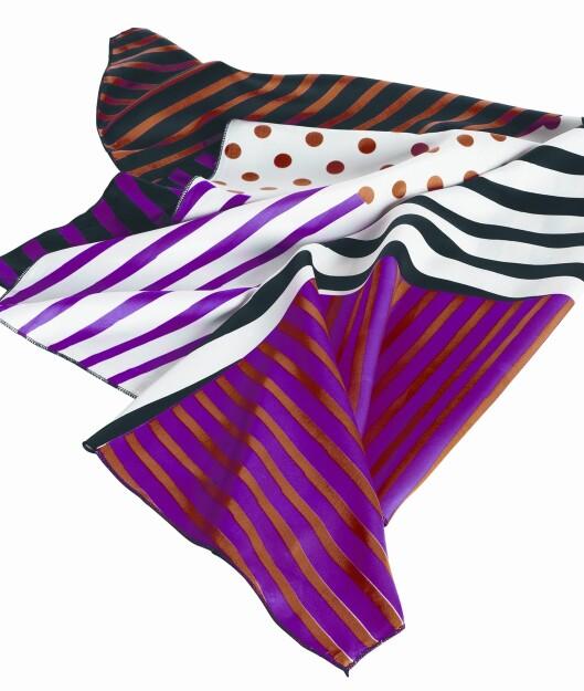 Funky skjerf med prikker og striper (kr 50, H&M).