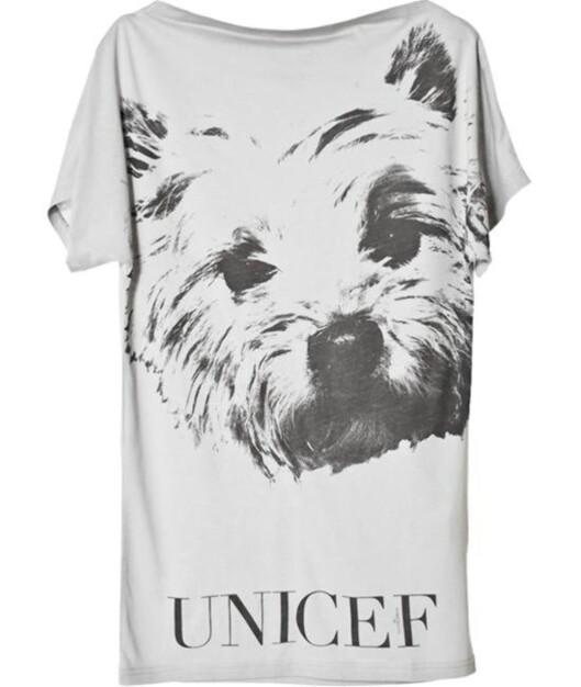 T-skjorter er alltid aktuelt, og varianter med trykket budskap stadig mer (kr 380, Malene Birger).