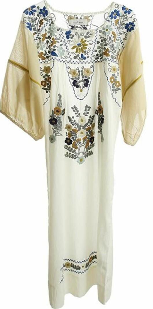 Florlett kjole 70-tallsstil (kr 1700, Malene Birger/Musthaves.dk).