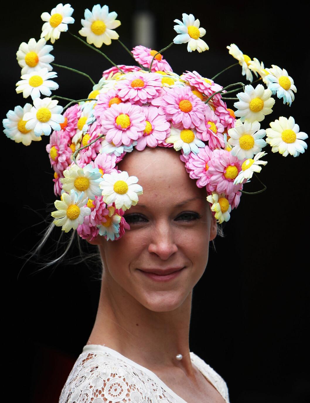 En av Ascots søteste blomsterhatter. Foto: All Over Press