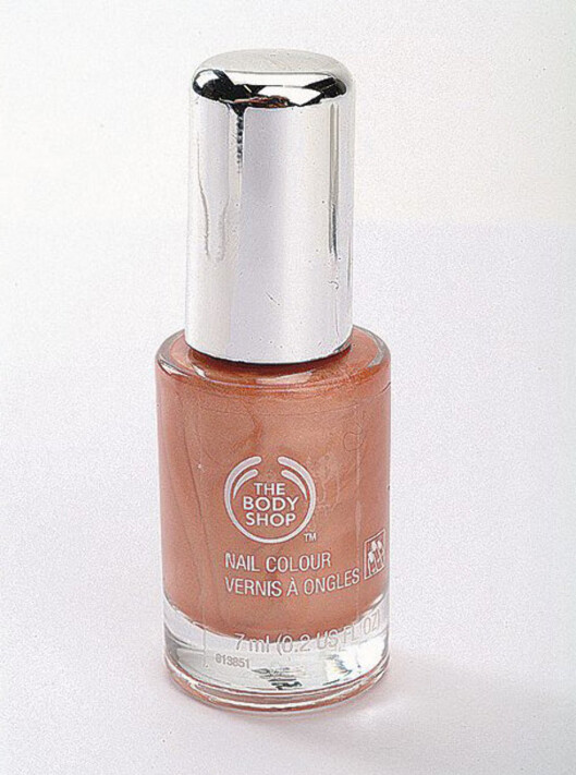 Lekre negler:Body Shop Nail Colour i lys korallrosa (kr 80).