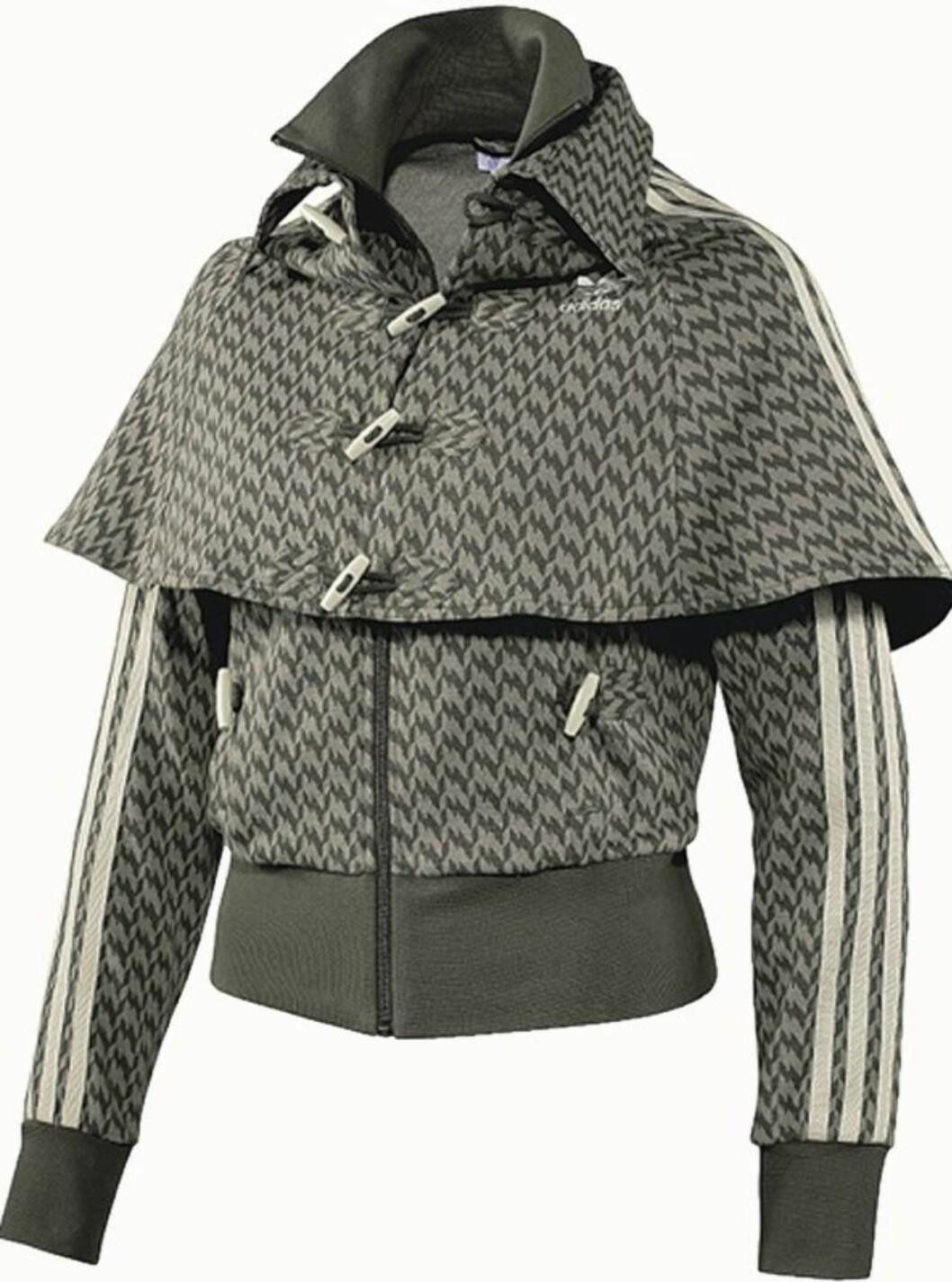 Cape i klassisk britisk stil (kr 1200, Adidas).