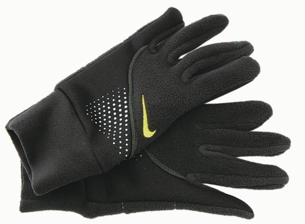 Løpevanter i fleece med lomme til nøkkel i håndflaten (kr 180, Nike).