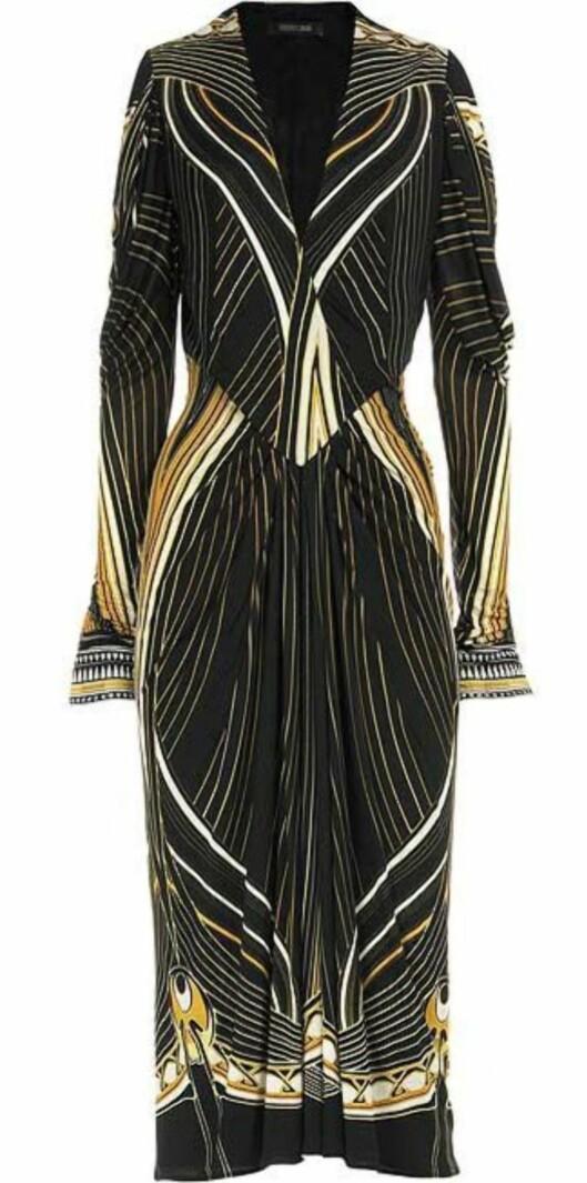 Lekker silkekjole fra Roberto Cavalli (nedsatt fra 18.000 til 13.000 kroner, netaporter.com).