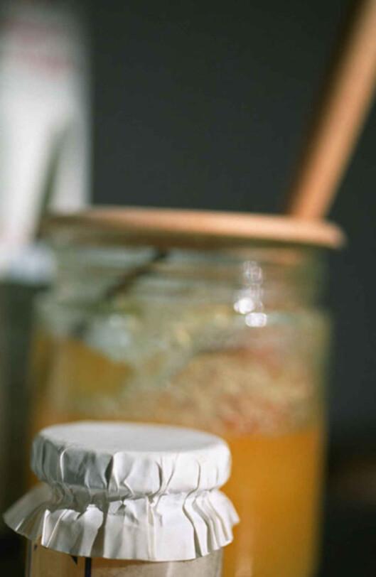 Honning har lavere kaloriinnhold enn sukker.