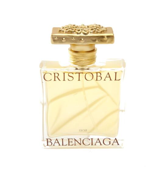 NUMMER 2:Balenciaga Cristobal 131 poengEn soleklar nummer to. Også dette er en duft som treffer jenter i alle aldre. Jevnt høy poengsum gjennom hele testen. - Min favoritt!! Vanskelig å beskrive den, den er bare kjempe-, kjempegod!! (25)(kr 370/30 ml)