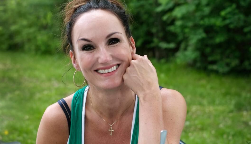 Flekkfri: Huden er blitt så fin at jeg må se meg ihvert speil som dukker opp, sier Taj-Rosita Tørnquist.