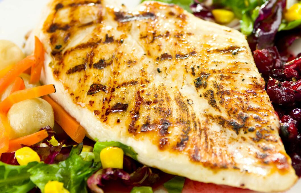 KURIOSA: Visste du at 100 gram stekt kylling inneholder mer næring og energi enn 100 gram rå kylling, på grunn av vanntap under oppvarming? Foto: Thinkstock