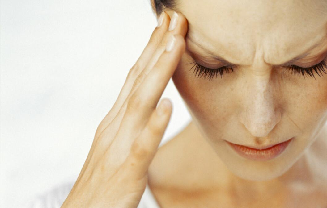 <strong>SLITER MED MIGRENE:</strong> 18 prosent av norske kvinner sliter med migrene. Kun seks prosent av menn har samme problem.  Foto: Getty Images