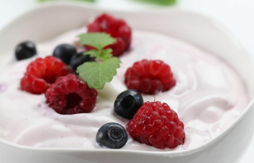 <strong>PROBIOTIKA KAN HA POSITIV EFFEKT PÅ HJERTET:</strong> Probiotika - som du blant annet finner i yoghurt - kan redusere det dårlige kolesterolet (LDL) i blodet.  Foto: Thinkstock.com