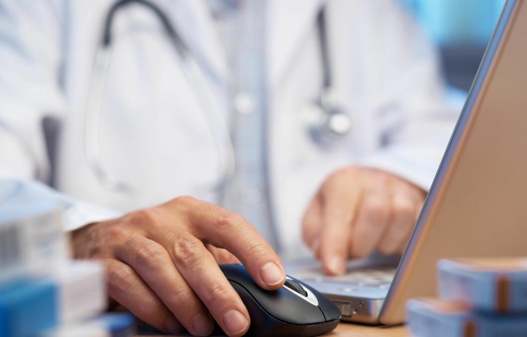 <strong>NETT-DOKTOR:</strong> En ny undersøkelse viser at de som kan snakke med legen på mail, faktisk går mer til legen enn de som ikke har tilgang på dette. Foto: Getty Images/Hemera