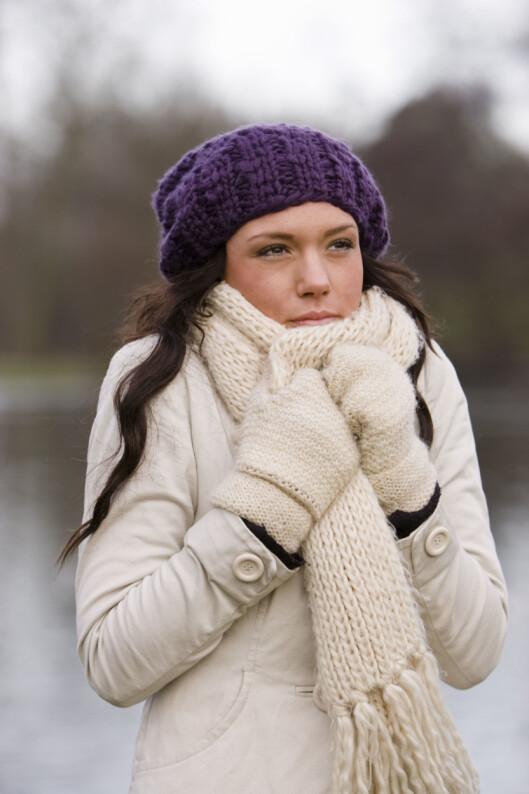 LUE PÅ HUET: Ikke glem lua i kaldt vær! Foto: Colourbox