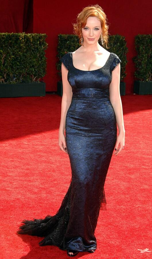 <strong>FAN:</strong> Mad Men-stjerne Christina Hendricks er også fan av L'Wrens design. Her er hun i en kjole signert Scott under  Emmy Awards i 2009.                       Foto: All Over Press