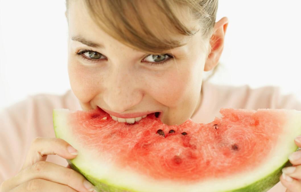BRA FOR HJERTET: Ny forskning tyder på at det å spise vannmelon regelmessig kan være bra for å motvirke hjerte- og karsykdommer.  Foto: Getty Images