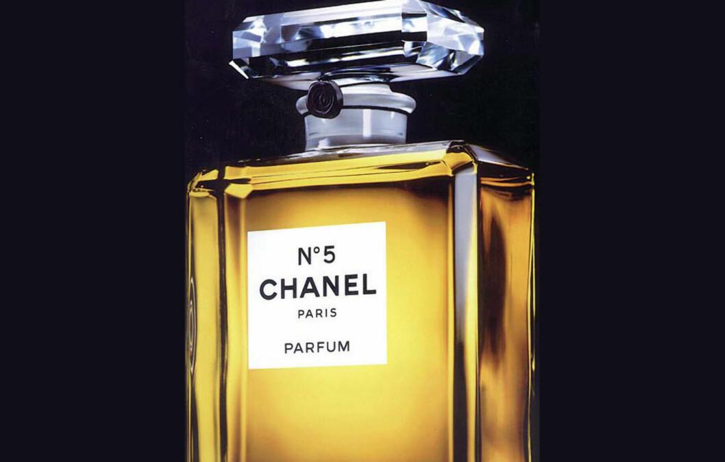 LEGENDARISKE CHANEL NO.5: Duften ble til i 1921, og ble senere udødeliggjort da Marilyn Monroe innrømmet at hun sov med sin No5 «and nothing else». Foto: Produsenten