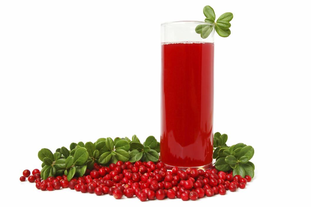 ETT GLASS ER NOK: Ett glass tranebærjuice (usøtet) om dagen holder. Det er også bra mot urinveisinfeksjon, og for å motvirke dannelsen av hull i tennene. Foto: Getty Images/iStockphoto