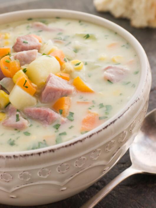 DEILIG HØSTSUPPE: Ha persillerot i en deilig varm suppe nå i høst. Perfekt som lunsj, middag eller kveldsmat! Foto: Getty Images/Hemera