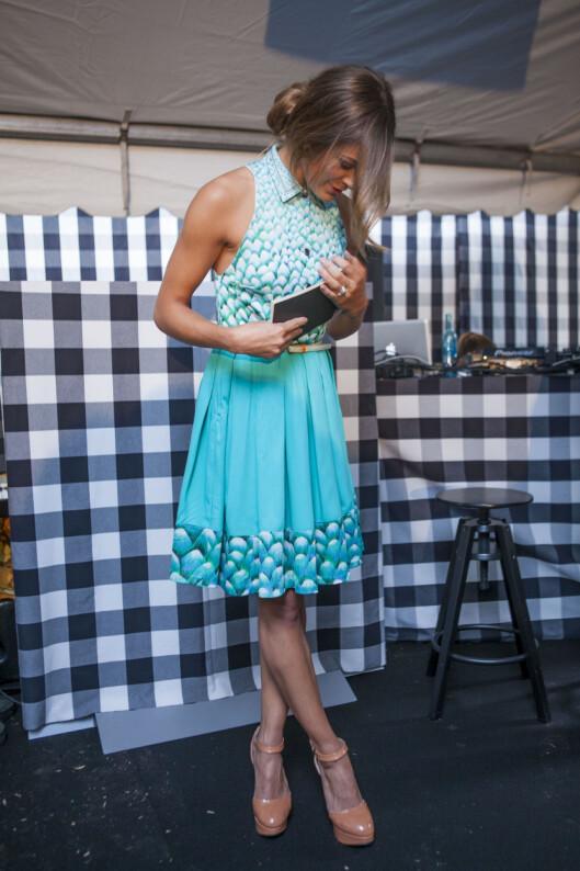 SELVSYDD: Denne kjolen var en gammel og uformelig kjole som fikk et helt nytt liv takket være Jenny Skavlans kreativitet og symaskin.  Foto: Per Ervland