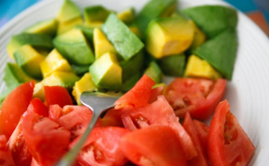 <strong>dETTE BØR DU SPISE SAMMEN:</strong> Stdier viser at tomater og avokado har enda større fordeler sammen.  Foto: Thinkstock.com