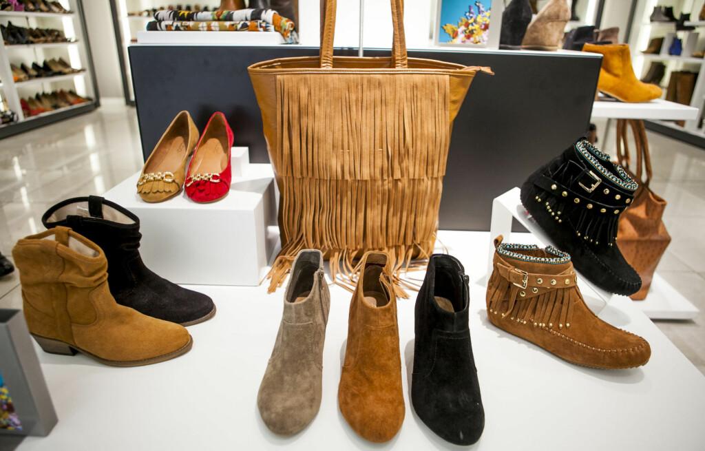 fb607b897aa SEMSKET: Vi ser mye semsket skinn på sko og vesker i høst og vinter,