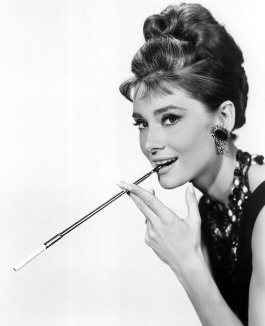 VEGETERIANER: Audrey Hepburns kosthold bestod av frukt og grønnsaker. Av og til skeiet hun ut med pasta og sjokoladekake. Foto: All Over Press