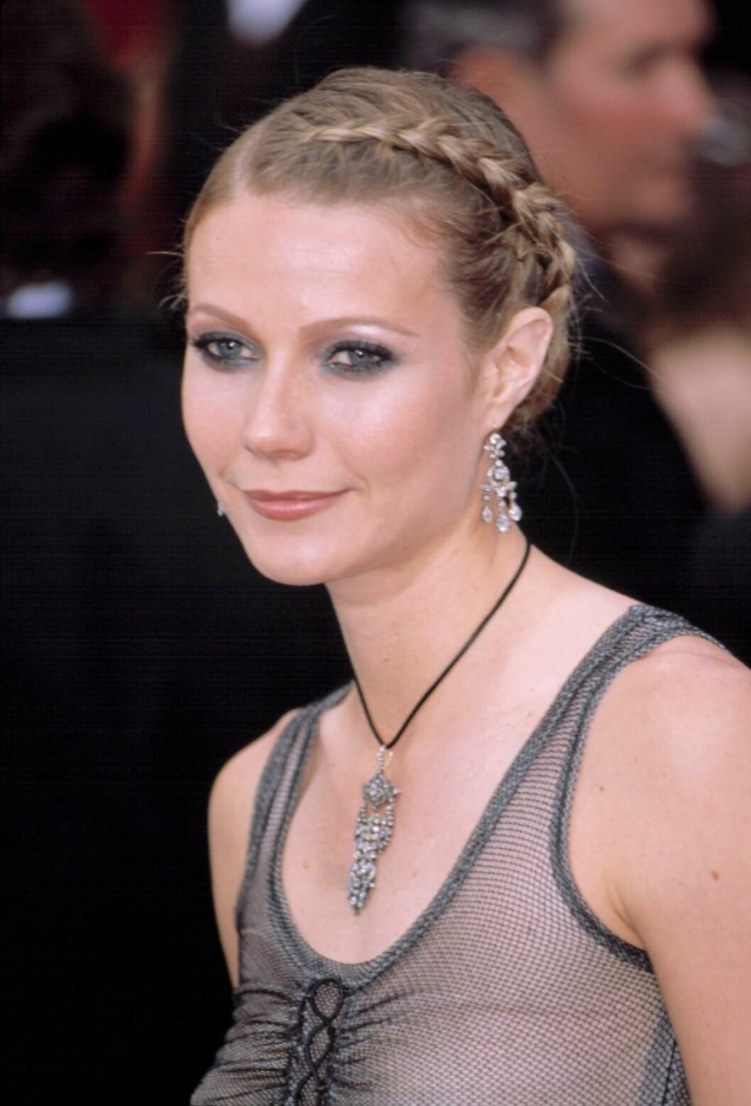 I 2002 fikk Gwyneth mye kritikk for Alexander McQueen-kjolen hun hadde på seg under Oskar-utdelingen.  Foto: All Over Press